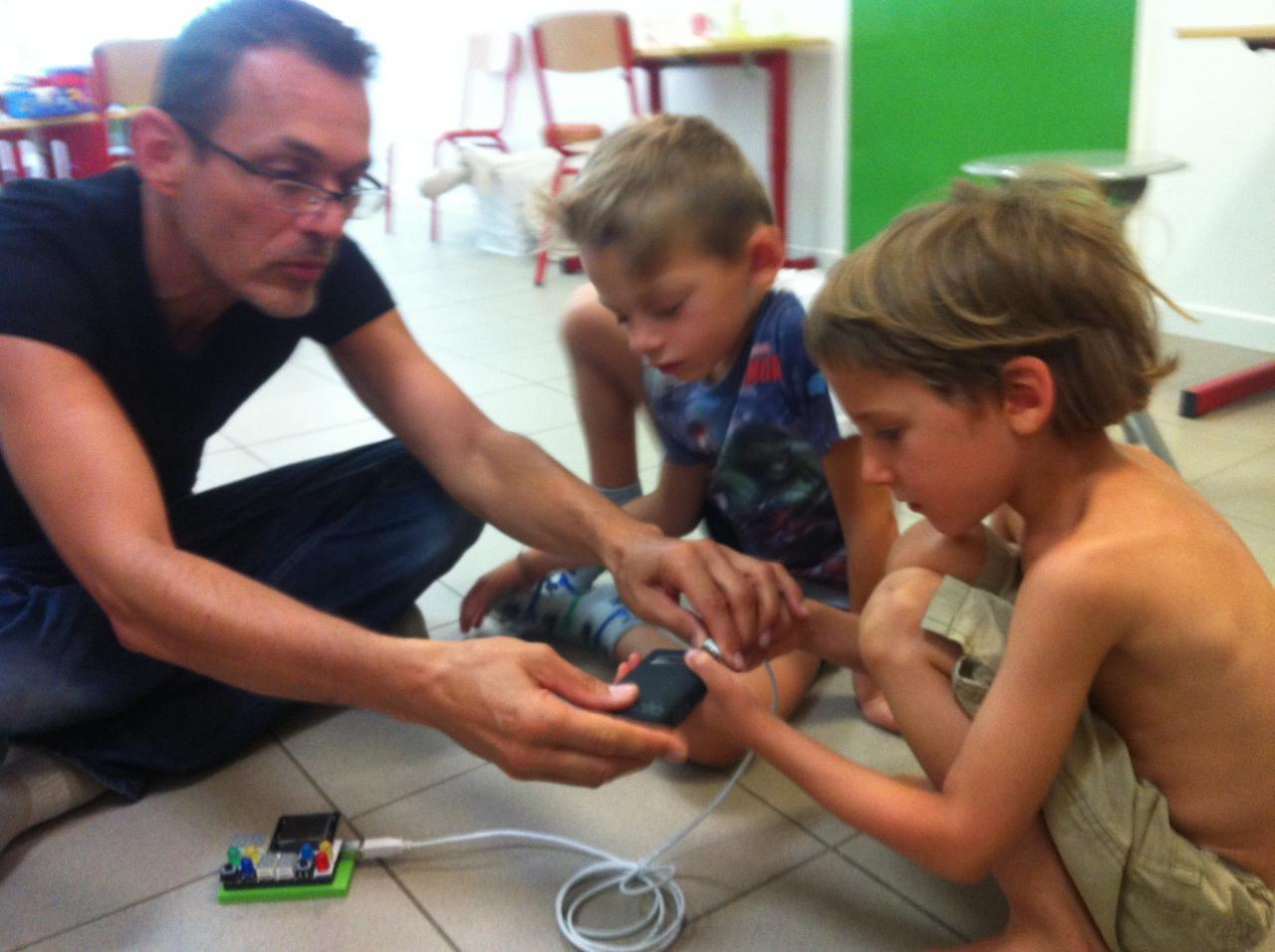 Atelier d'électronique sensorielle et créative